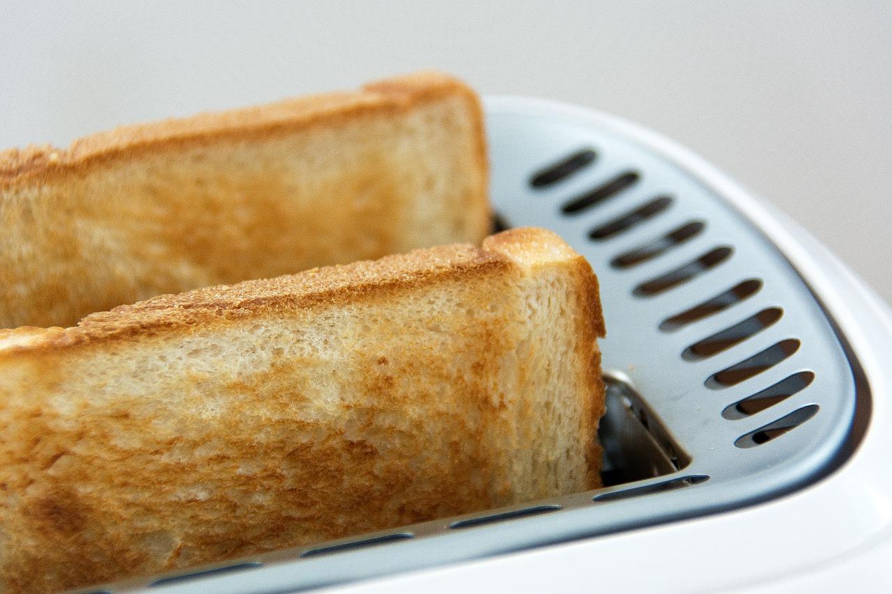"""いつもの食パンが抜群にうまくなる!パンの為のコンパクトオーブン""""パナソニックNB-DT51""""レビュー。"""